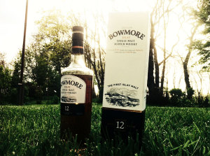 The Bowmore Single Malt 12 years whisky.