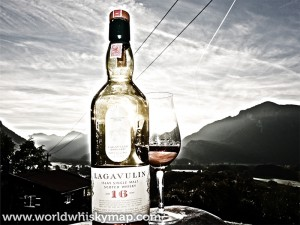 Lagavulin-16-years-Single-Malt-Scotch-Whisky-1
